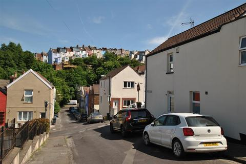 2 bedroom end of terrace house for sale - Summer Hill, Totterdown, Bristol