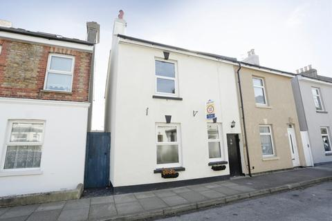 2 bedroom end of terrace house for sale - College Road, Deal