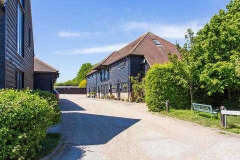 3 bedroom barn conversion for sale - Church Farm Mews, East Langdon, Dover
