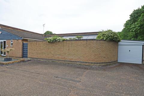 3 bedroom semi-detached bungalow for sale - Wingfield, Orton Goldhay, Peterborough