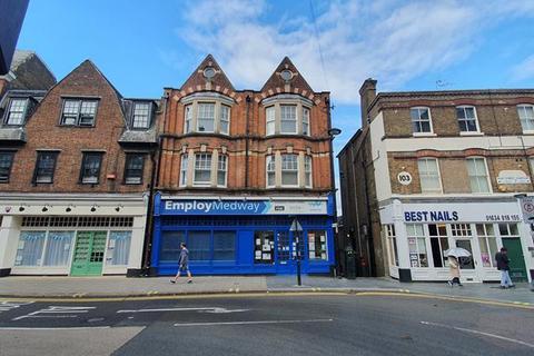 Shop to rent - -101 , High Street, Chatham, Kent