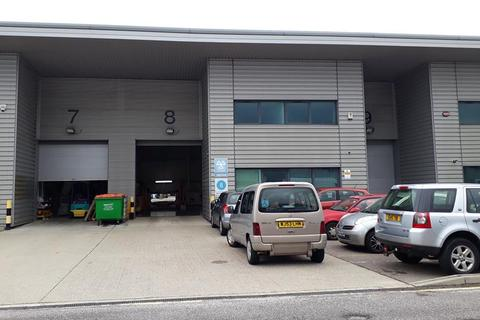 Industrial unit to rent - Stirling Park, Rochester, Kent
