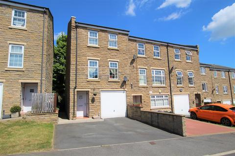 4 bedroom townhouse for sale - Myers Close, Idle, Bradford