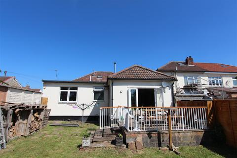 3 bedroom detached bungalow for sale - Albert Road, Keynsham, Bristol
