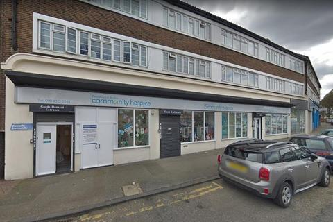 Property to rent - 12-15 Bellegrove Parade, Welling, Kent