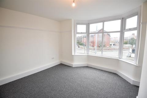 3 bedroom apartment to rent - Barlow Moor Road, Manchester