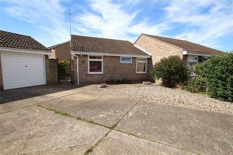 2 bedroom bungalow for sale - Epsom Close, Clacton-On-Sea, Essex, CO16