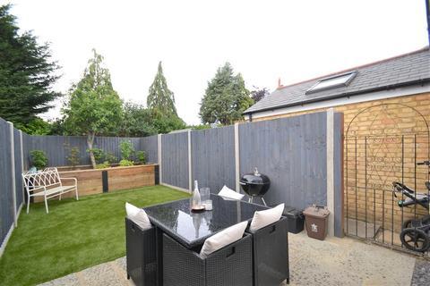 2 bedroom house to rent - Pinewood Close, Gerrards Cross, SL9