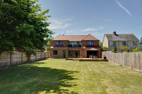 5 bedroom detached house for sale - Wendover Road, Weston Turville