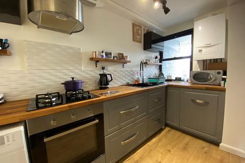 2 bedroom flat to rent - Neville Court, Washington, Tyne and Wear, NE37 3DY
