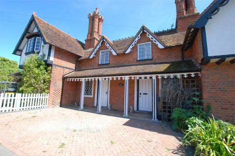 2 bedroom cottage for sale - The Street, Stisted, BRAINTREE, Essex