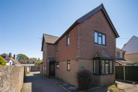 3 bedroom detached house for sale - Cherry Garth, St Johns Road, New Romney