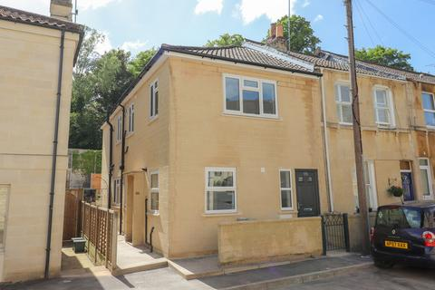 1 bedroom flat for sale - Manor Road, Weston, Bath