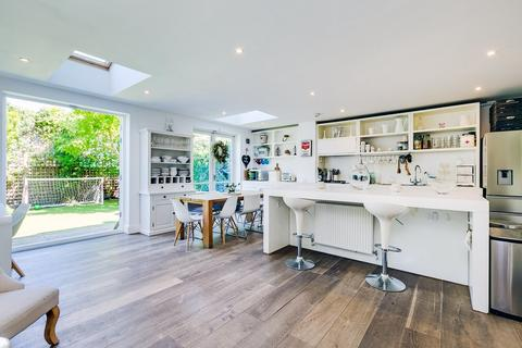 6 bedroom terraced house for sale - Mayford Road, London SW12