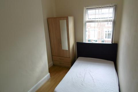 5 bedroom terraced house to rent - Marlborough Road, Coventry, CV2 4EP