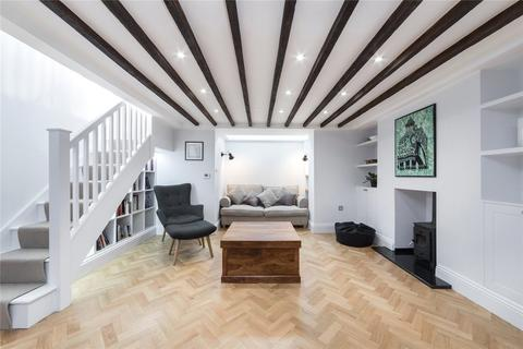 4 bedroom maisonette to rent - Chalcot Square, London, NW1