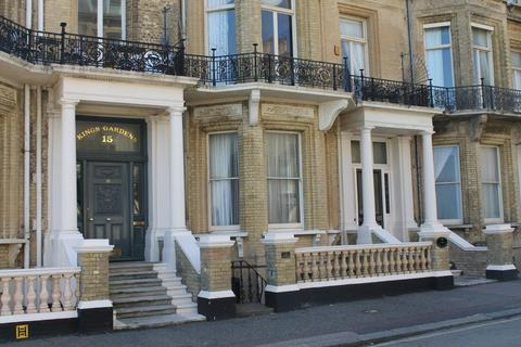 2 bedroom apartment for sale - Kings Gardens, Hove, East Sussex, BN3 2PG