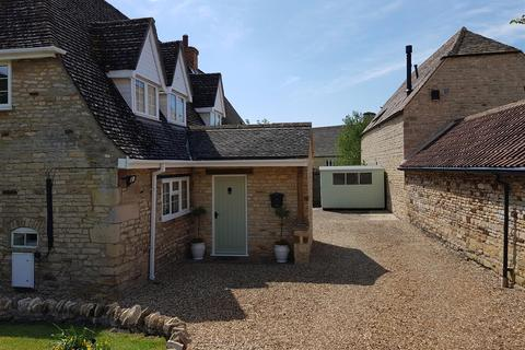 3 bedroom cottage for sale - Tickencote, Stamford