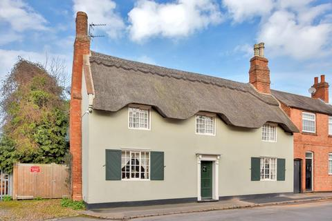 3 bedroom cottage for sale - School Street, Syston