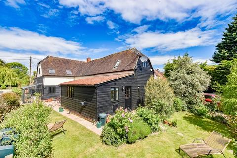 4 bedroom barn conversion for sale - The Street, High Roding
