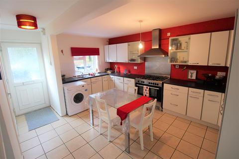 5 bedroom townhouse to rent - Falconers Road, Luton