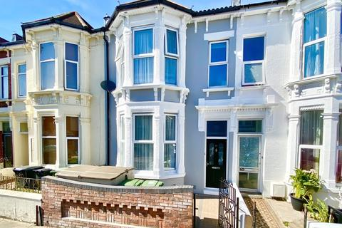 4 bedroom terraced house for sale - North End Avenue, Portsmouth