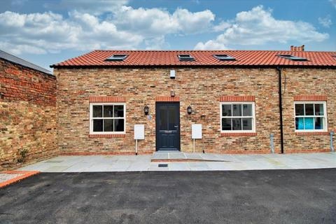 3 bedroom barn conversion for sale - The Stables, 2b George Street, Pocklington, YO42 2DF