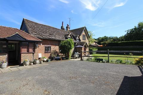 3 bedroom detached house for sale - Northlands Road, Horsham