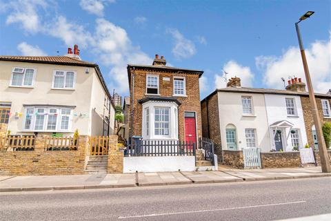 2 bedroom detached house for sale - New Road, Leigh-On-Sea