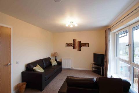 2 bedroom flat to rent - Netherhills Avenue, Blackburn, AB21