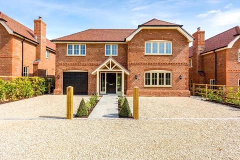 5 bedroom detached house for sale - Woods Lane, Cliddesden, Basingstoke, RG25