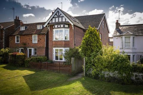 5 bedroom detached house for sale - Holden Road, Southborough