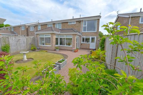4 bedroom semi-detached house for sale - Salcombe Gardens, Low Fell