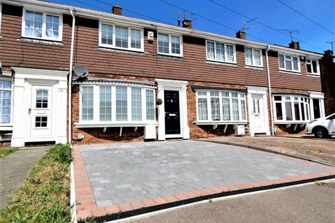 3 bedroom terraced house for sale - Wells Road, Rochester