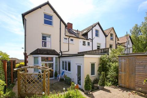 5 bedroom semi-detached house - Close proximity to The Downs; Redland, Bristol, BS6 6UY