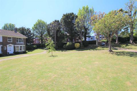 3 bedroom end of terrace house for sale - Milnthorpe Gardens, Eastbourne