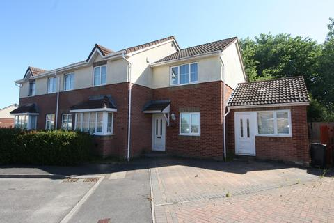 5 bedroom end of terrace house for sale - Whinberry Way, Cardiff
