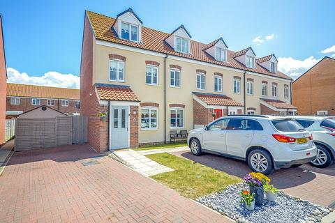 3 bedroom townhouse for sale - Jackson Close, Bradwell
