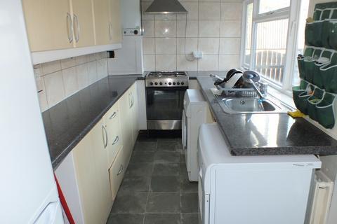 3 bedroom terraced house to rent - Broomfield Terrace, Leeds, West Yorkshire, LS6