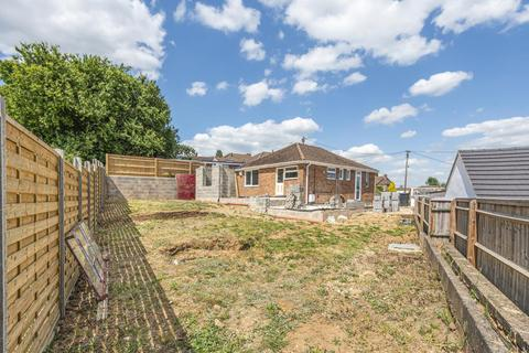 3 bedroom detached bungalow for sale - Wheatley/Littleworth, Oxfordshire, OX33