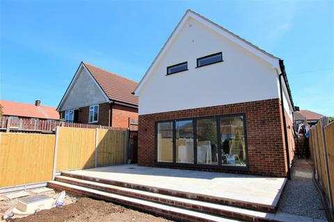 4 bedroom detached house for sale - Clarkes Close, Deal, CT14