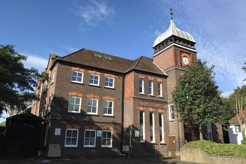 Studio to rent - The Clock House, Frogmoor, High Wycombe, HP13 5DL