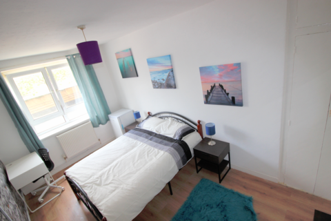 4 bedroom house share to rent - Grindal House, Darling Row, London, E1