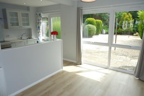 3 bedroom semi-detached villa to rent - Regulas Road EH9