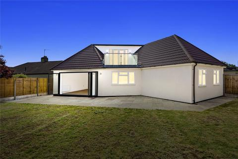 4 bedroom detached bungalow for sale - Aldborough Road, Upminster, RM14