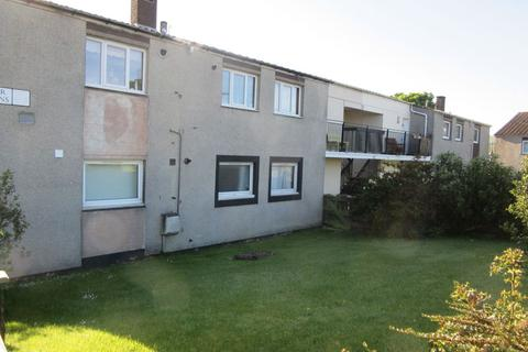 4 bedroom flat to rent - Calder Gardens, Sighthill, Edinburgh, EH11 4JD