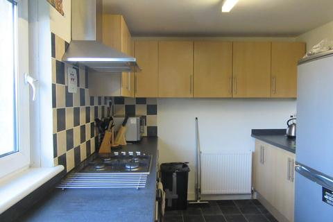 4 bedroom flat to rent - Calder Gardens, Sighthill, Edinburgh, EH11