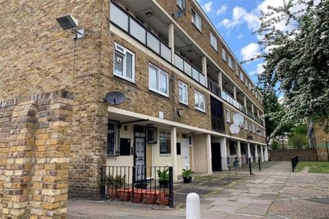 3 bedroom property to rent - Cambridge Heath Road, Whitechapel , London