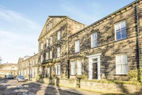 1 bedroom apartment to rent - Flat 6 in 7 Balmoral Place
