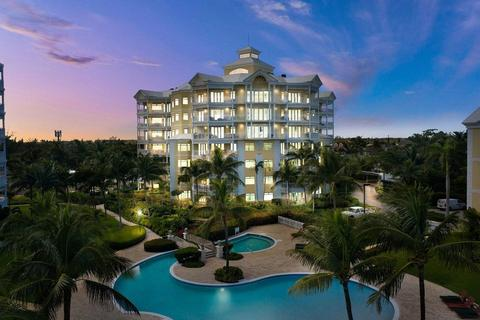 3 bedroom apartment - Cable Beach, The Bahamas